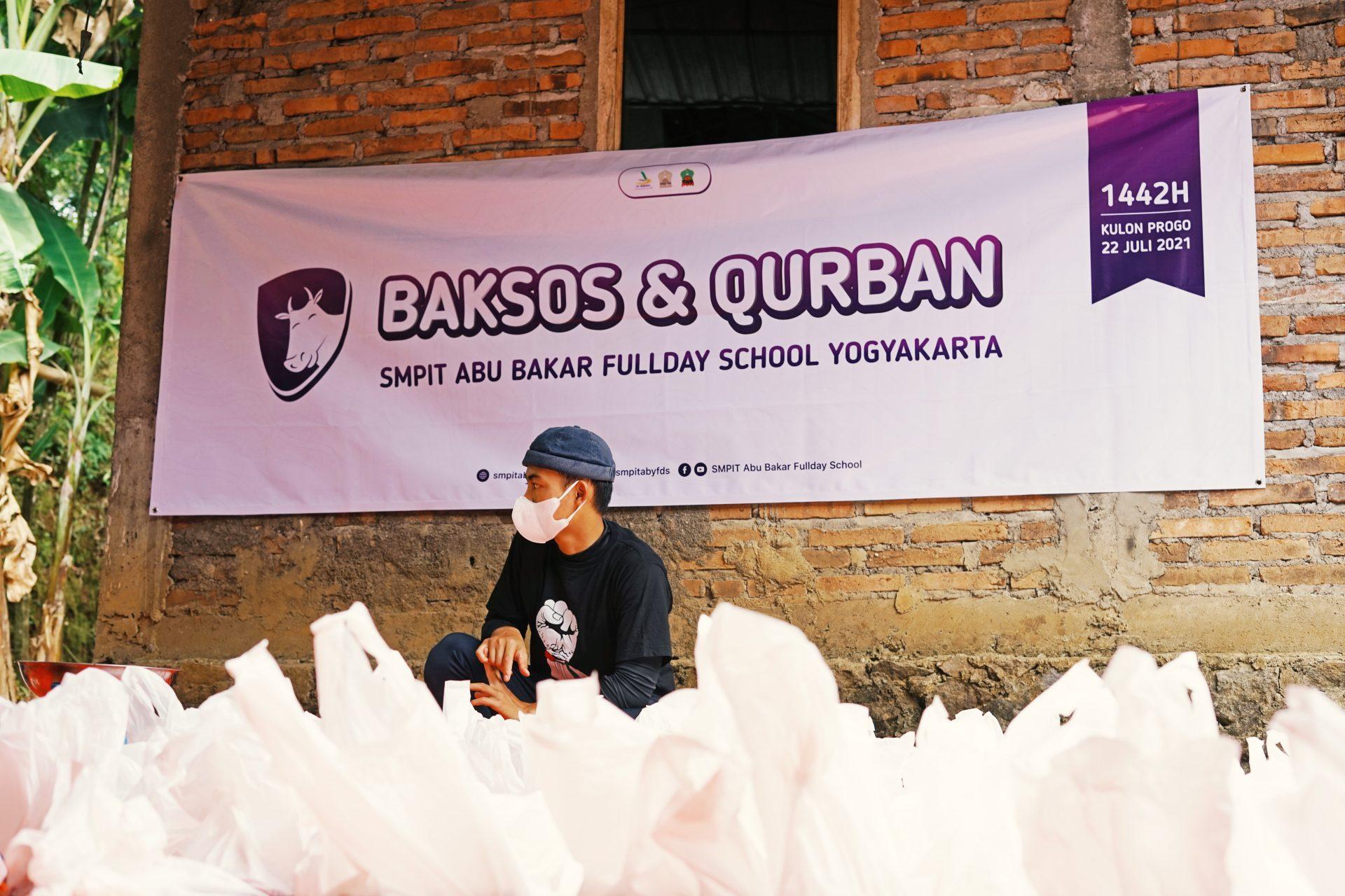 Tebar Kurban dan Bakti Sosial di Bumi Menoreh SMPIT Abu Bakar Fullday School Yogyakarta